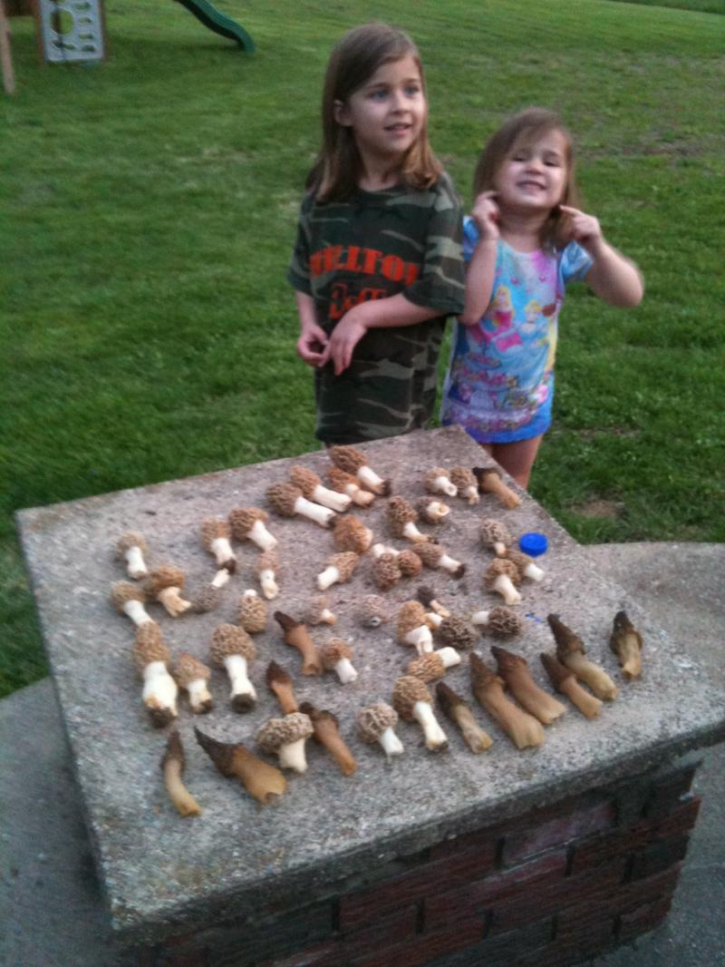"Two happy ""shroom"" hunters !"